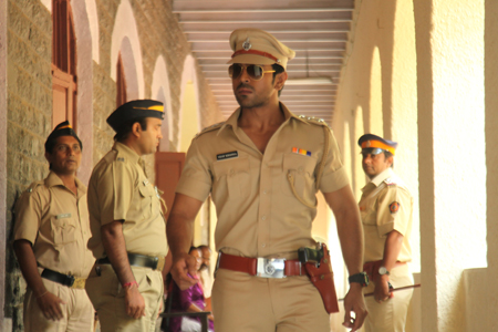 Zanjeer In Hindi and Thoofan In Telugu Shot Silmultaneously
