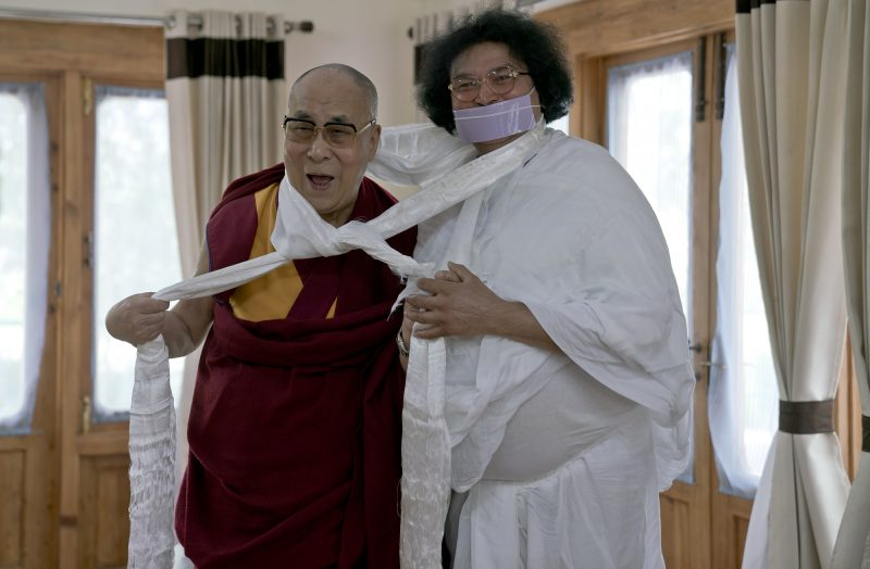 lokesh-muni-02-with-dalai-lama