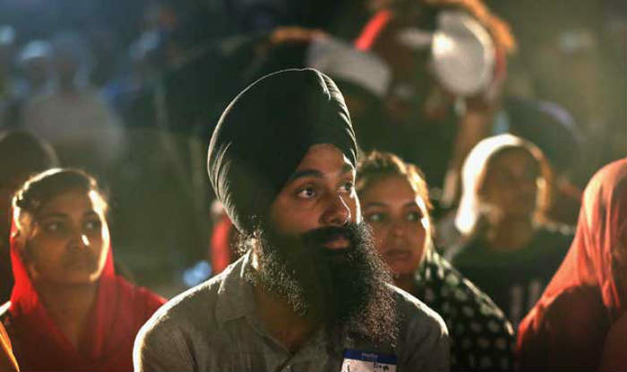 Sikh gala help financially strapped students