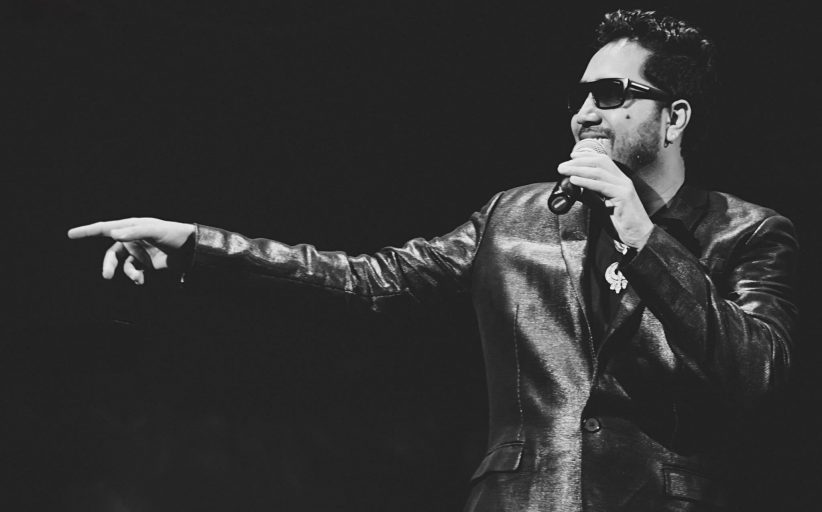 """MIKA SINGH - """"A REAL PERFORMER SETS THE STAGE ON FIRE"""""""