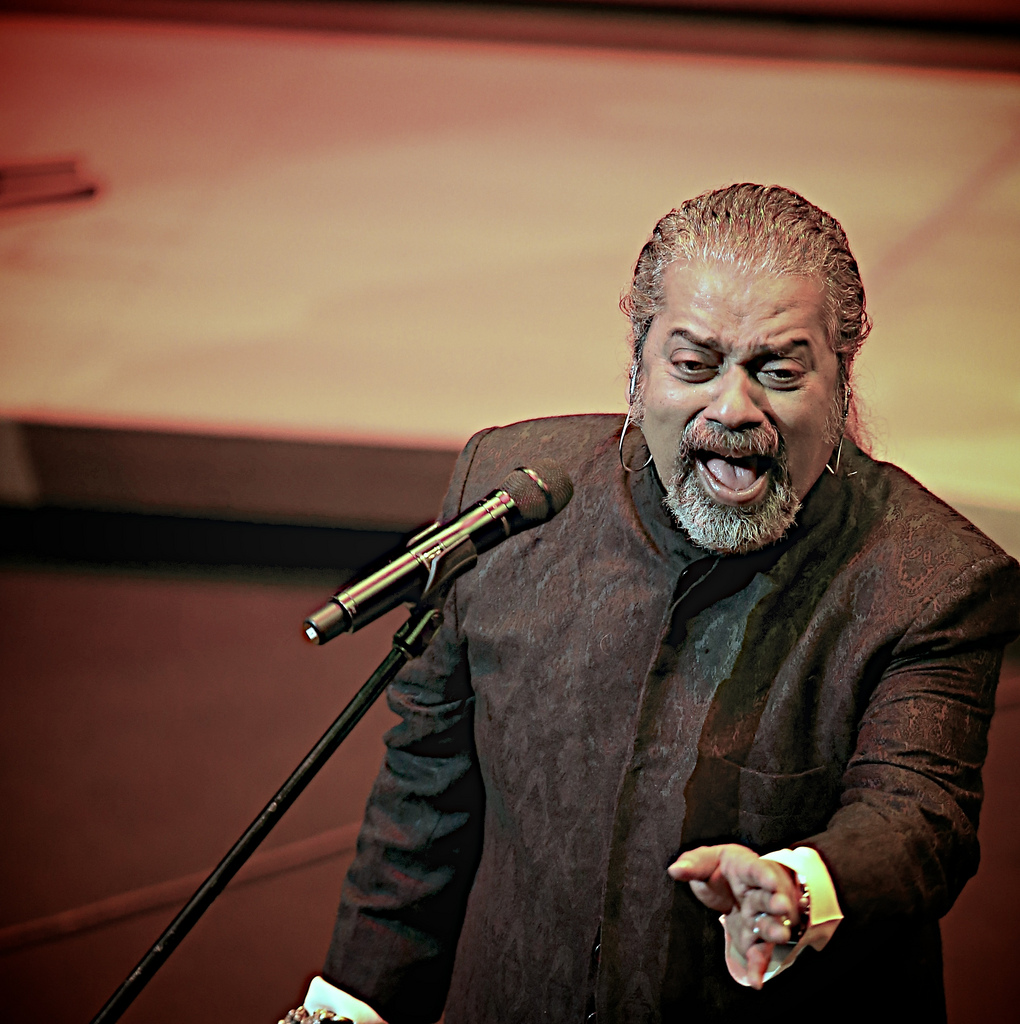 """ARTISTES OF MY AGE GROUP ARE NOT NEEDED TODAY"" - HARIHARAN"